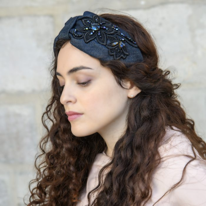 Serre-tête Alizée en denim bleu foncé avec broderies
