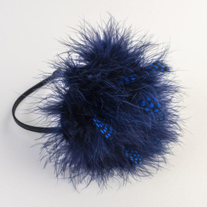 Bibi Hinata à plumes de dinde bleues
