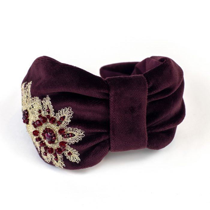 Serre-tête Maeva en velours rouge, broderies de fleurs et strass
