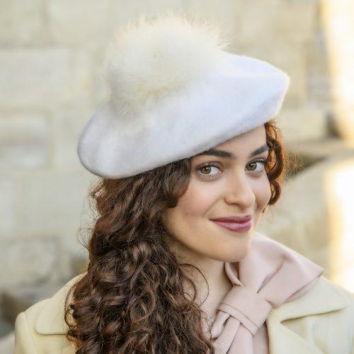 Beret Agatha blanc en laine et plumes