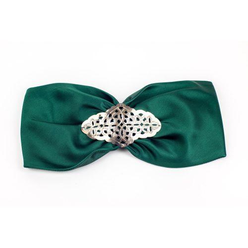Turban Amber en satin vert et décoration métallique