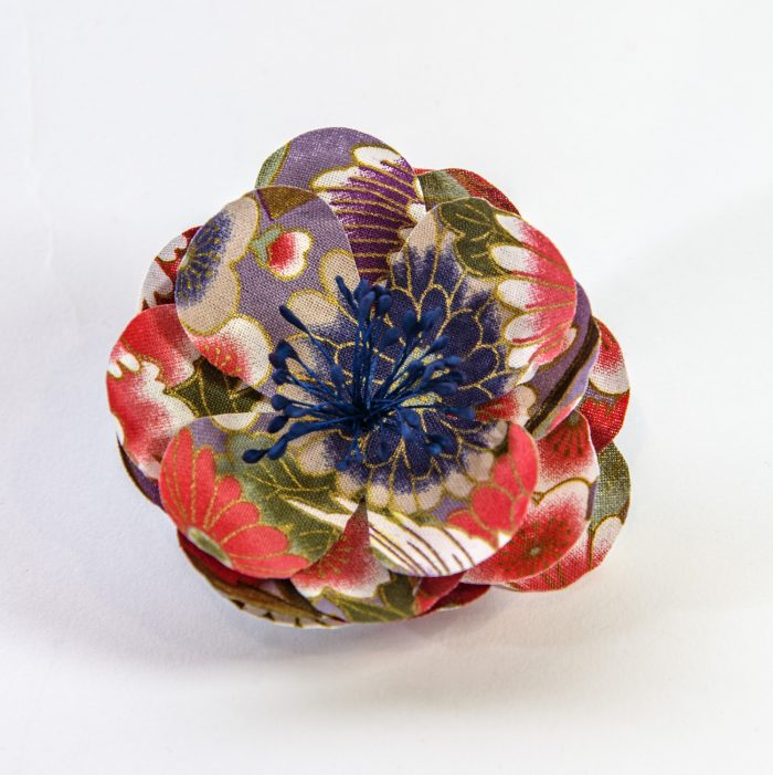 fleur-broche-pince-mauve-rose-coton-du-japon-johanna-braitbart