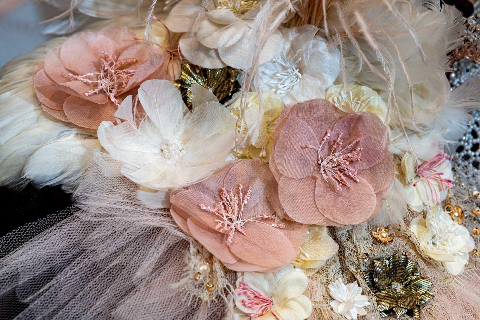 Fleurs Soie Savoir Faire Broderie Johanna Braitbart