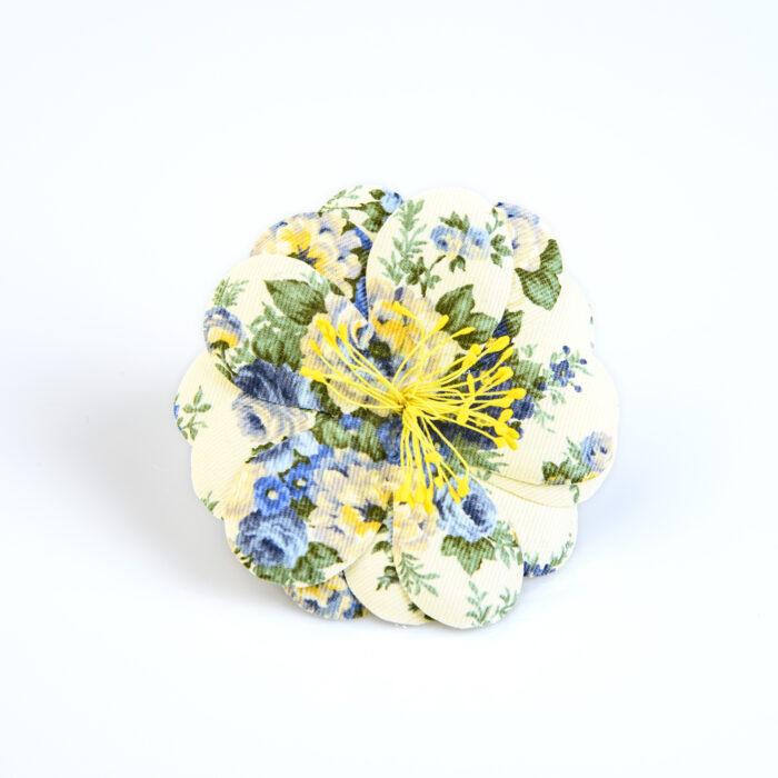 pince broche en coton du japon creme fleurs bleues